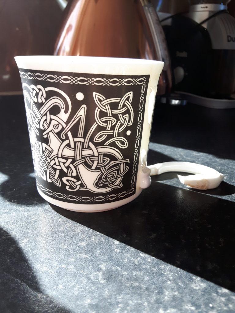A broken mug.